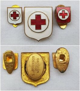 DISTINTIVO-CROCE-ROSSA-ITALIANA-1916-BADGE-CROSS-ITALIAN-ROSE-WW1