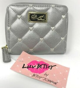 Betsey-Johnson-Silver-Bifold-Wallet-Zip-Around-Quilted-Hearts-MSRP-38