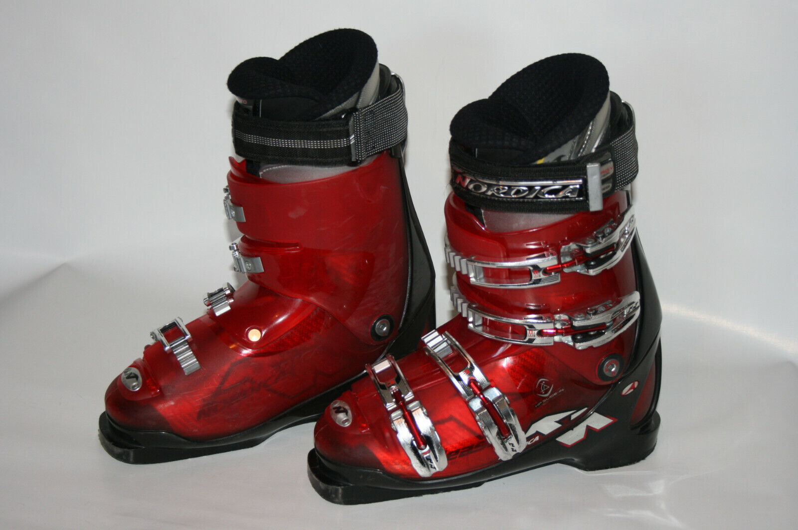 Ski Boots - Nordica Beast - Red Performance Snow - US Mens 7 7.5 - MONDO 25 25.5