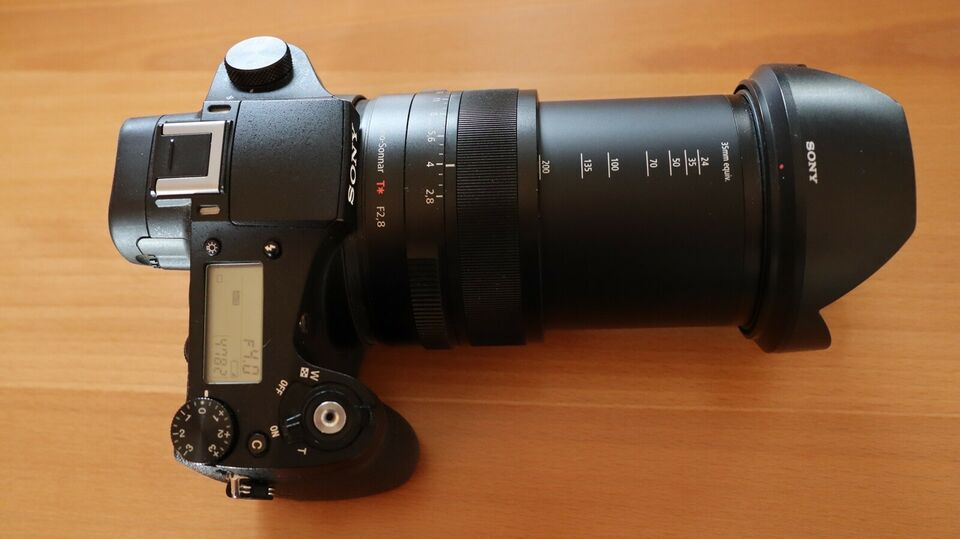 Sony, RX10 med 24-200 mm F2,8-objektiv, 20,2 megapixels
