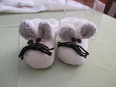 Babyschühchen, Mäuseform, Reine Handarbeit, Weiß/Grau