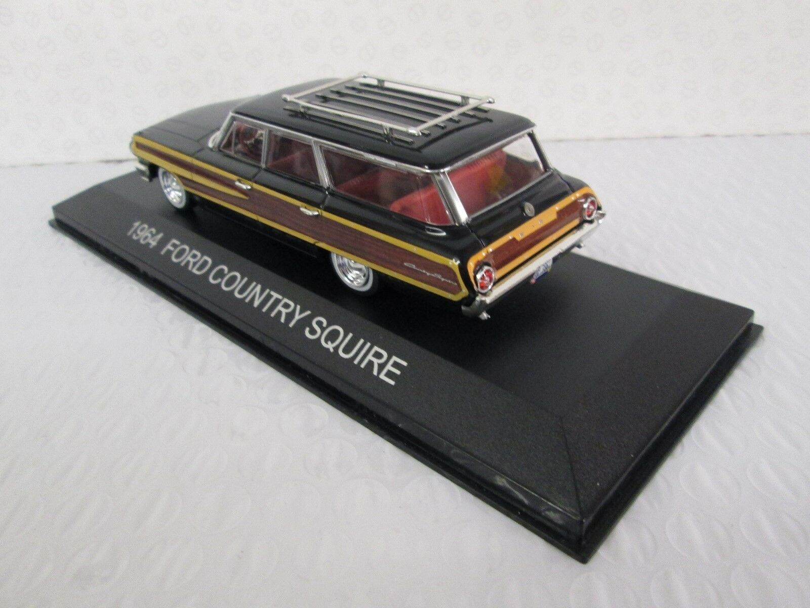 PREMIUM X. Ford Country Squire 1 1 1 43 scale. 186918. b86191