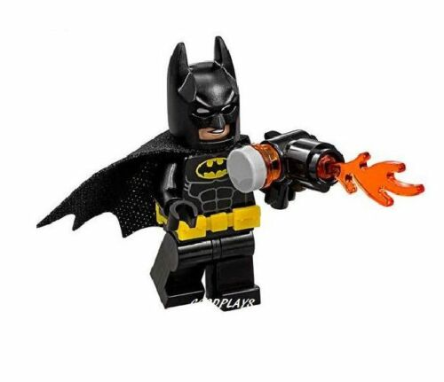 LEGO Batman movie Batman MiniFigure W// Weapon New From Set 70909 minifig DC