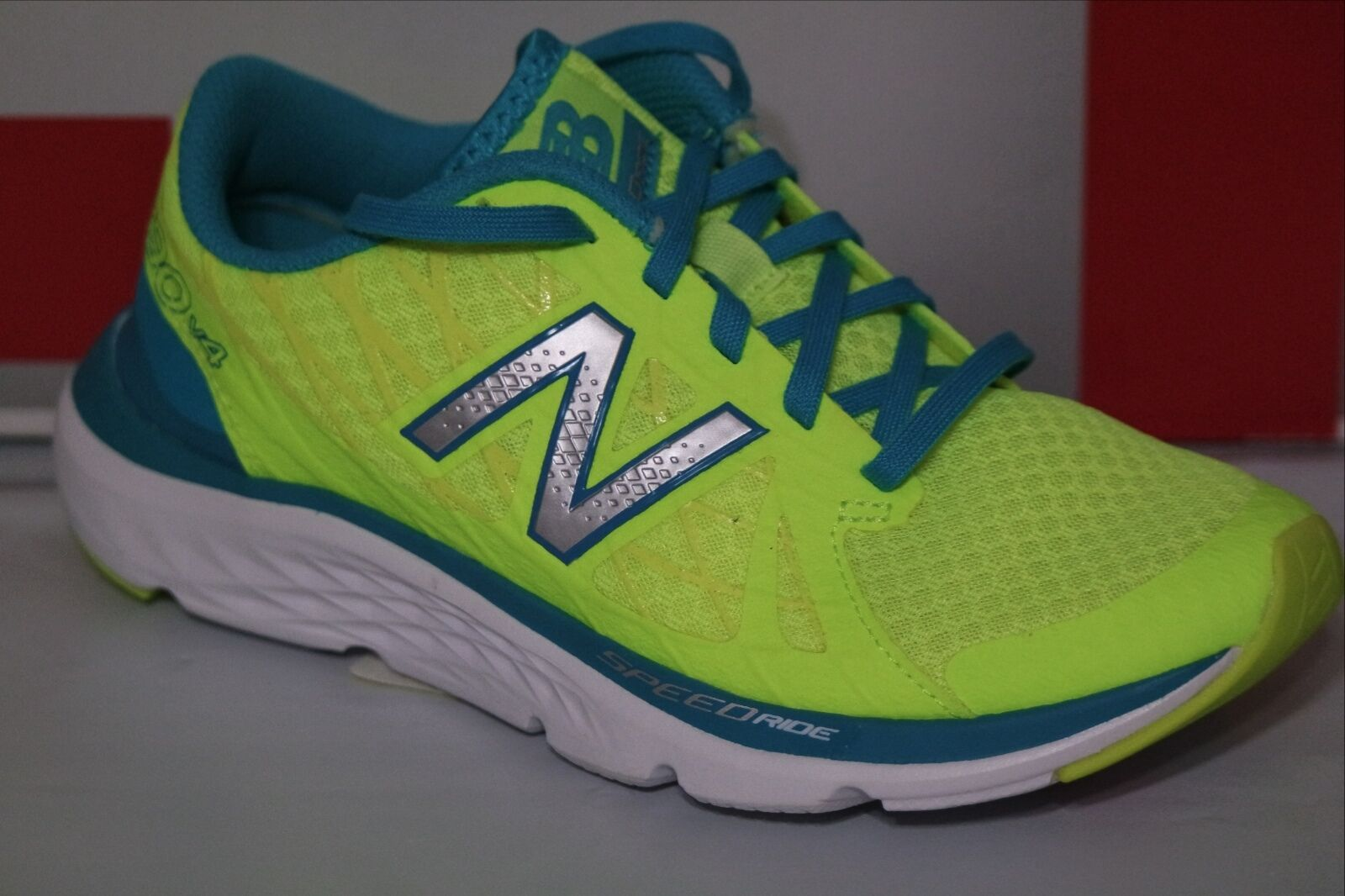 NEW BALANCE 690 WOMEN RUNNING SHOE, SIZE 6, W690LY4, NIB
