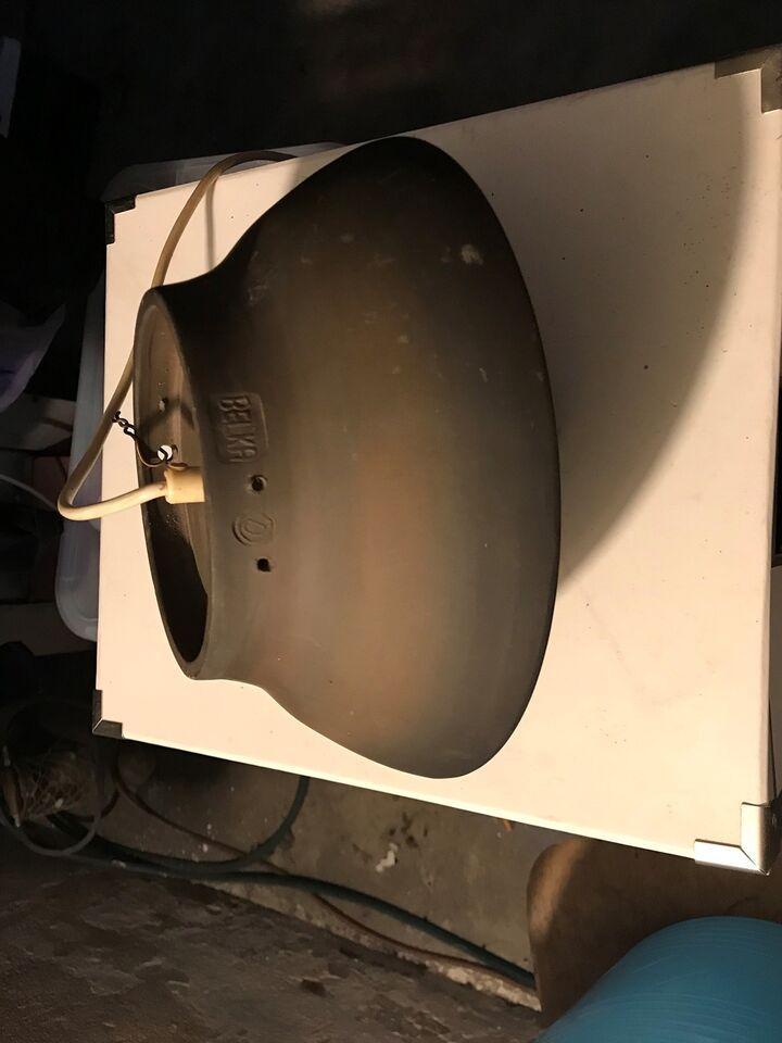 Anden loftslampe, Belka stentøjslamper
