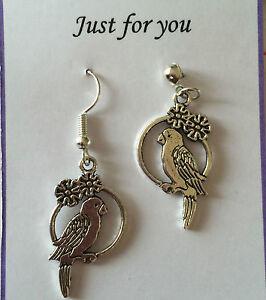 CUTE-PARROT-BIRD-Dangle-Earrings-Silver-Plated-Hook-o-Kitsch-Gift-Present