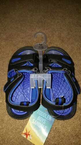 Boys Black and Blue River Sandals size 7//8