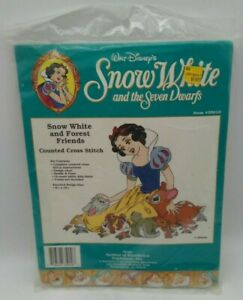 Walt-Disney-Cross-Stitch-Kit-SNOW-WHITE-amp-FOREST-FRIENDS-NEW-NIP-Sealed-Unopened