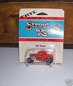 STREET-RODS-1932-FORD-NIP-VINTAGE-DIECAST-ERTL