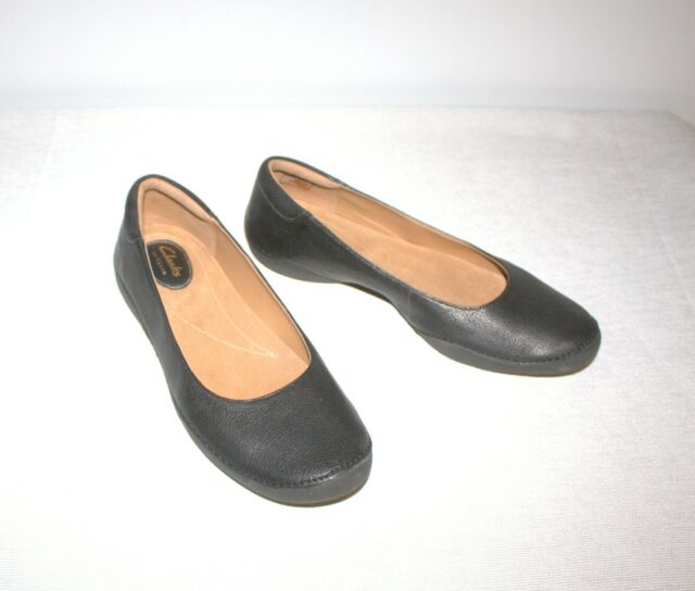 Women Round Toe Leather Flats BNWB