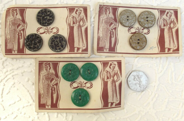 "Vintage buttons 7/8"" UNUSED set of 3 on card for Coats or Cardigans"