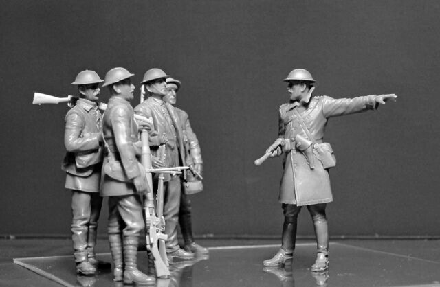 MB35146 British Infantry Somme Battle Period 1916-1:35 MASTER BOX 35146