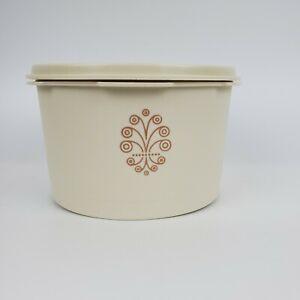 Vintage-Tupperware-Canister-Almond-1298-4C-Capacity-amp-810-Lid-5-3-8-034-Diameter