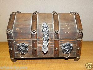 1215/ Vintage Gothic Style Wood JEWELRY Dresser BOX ~ castle / lions motif