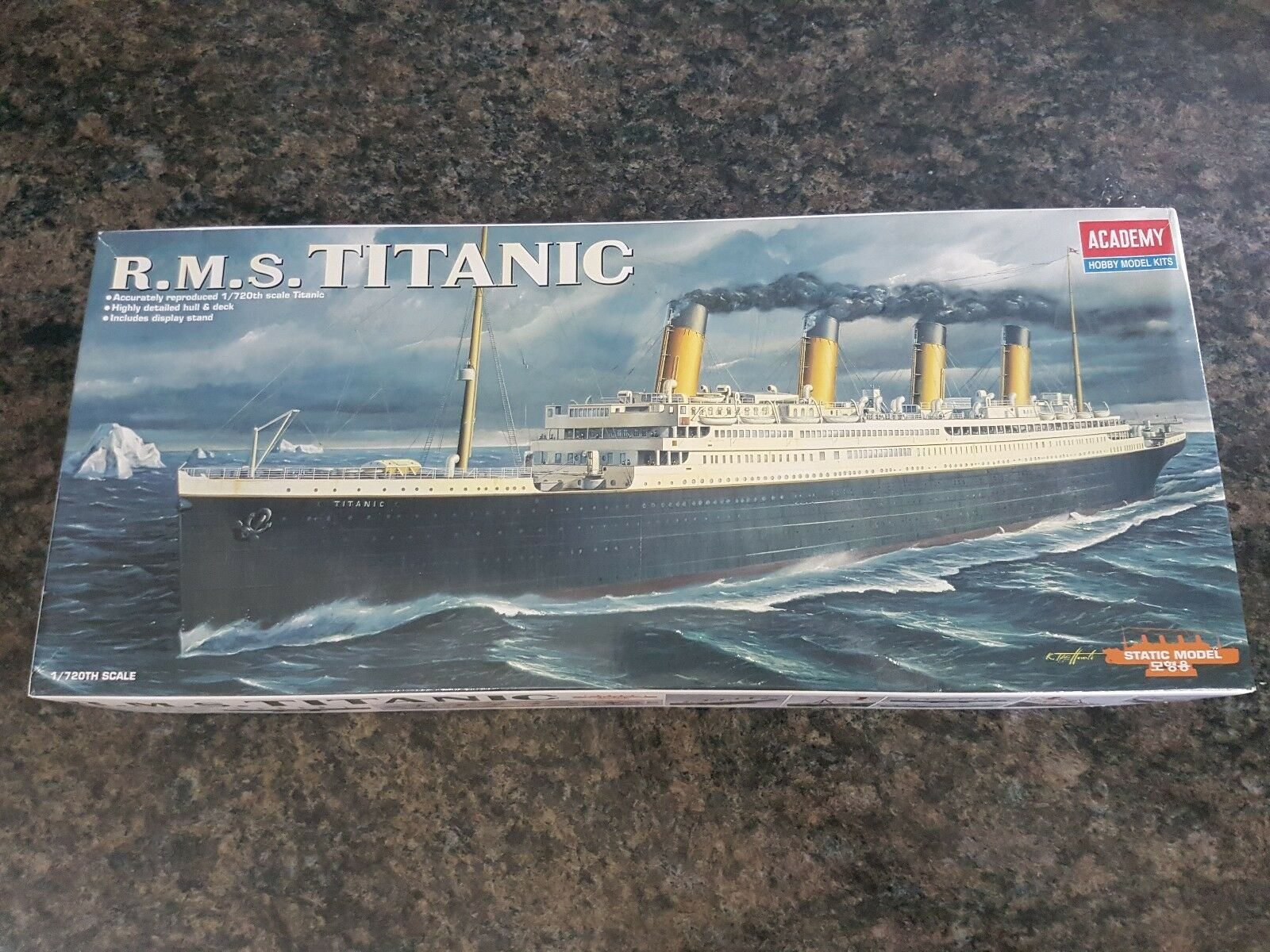 Academy 1 720 R.M.S Titanic Ship Great Condition Very Rare