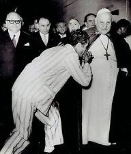 1958 Vintage Photo convict from Regina Coeli Prison kisses ring of Pope John 23