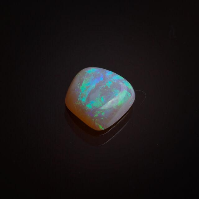 Opal mit tollem Farbenspiel 8,2x8,0mm aus Australien ca. 1,46 Ct. Nr. 529