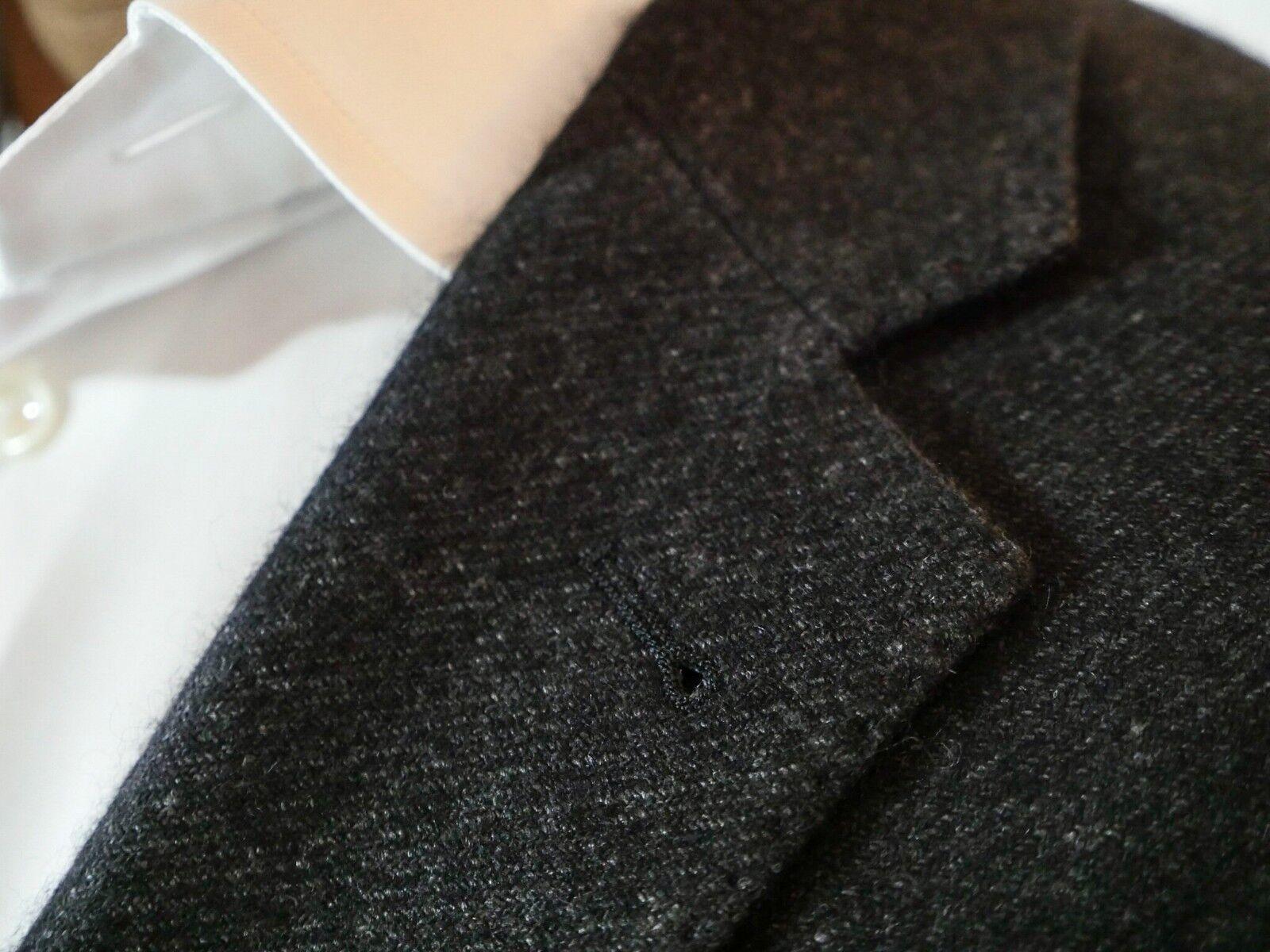 Grauer SakkoObermaterial in Italien angefertigt 51% Hanf, 49% Kaschmir Größe 50