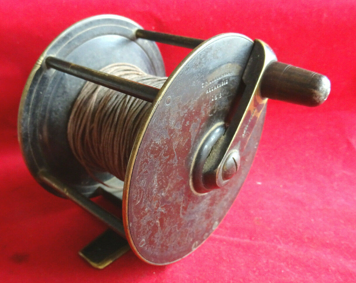 A RARE VINTAGE T P LUSCOMBE ALLAHABAD 4  EXTRA WIDE ANTI FOUL MARSEER REEL