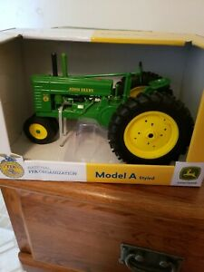 NEW 2018 FFA ERTL Metal John Deere 2520 Diesel Farm Tractor 1:16 Scale