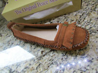 Peace Mocs Emily Moccasin Shoes Womens 7 Tan Suede Loafers Free Ship