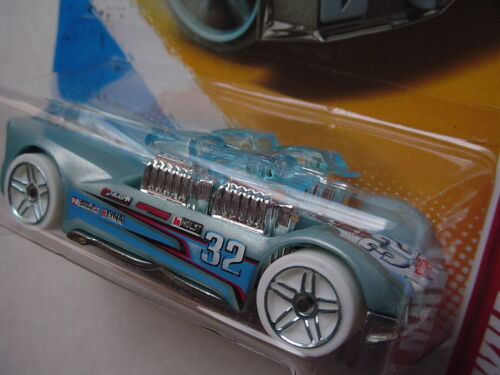 212//247  New in Blister Pack! ICE HOT WHEELS: What-4-2 Thrill Racers