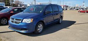 2011 Dodge Grand Caravan SXT ONLY 126,000KMS!