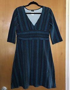 Patagonia-Womens-Margot-Dress-L-Stretch-Organic-Cotton-3-4-Sleeve-Blue-Floral