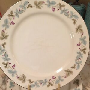 Vintage-Fine-China-Japan-Dinner-Plates-10-5-Inches-Set-Of-Six
