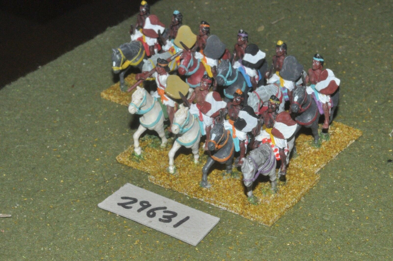 25mm medieval   indian - heavy 10 figures - cav (29631)