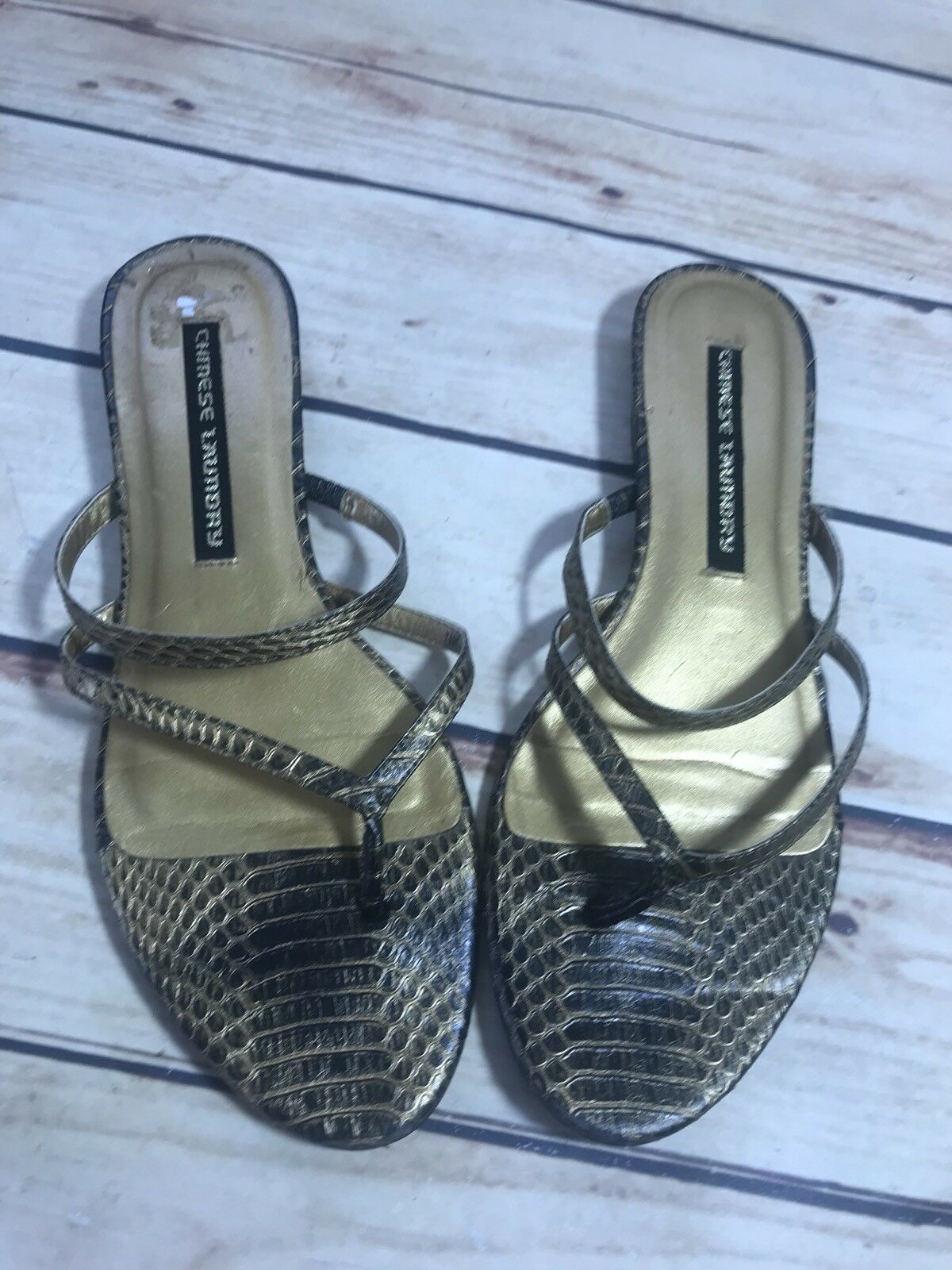 CHINESE LAUNDRY Womens Size 7.5 Flats Gold Animal Print Sandal Flats 7.5 Flip Flop Casual 62d984
