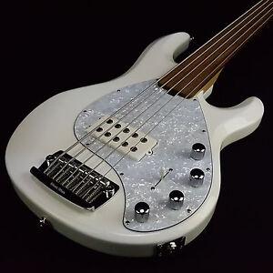 ernie ball music man musicman stingray 5 string fretless bass pau ferro board ebay. Black Bedroom Furniture Sets. Home Design Ideas