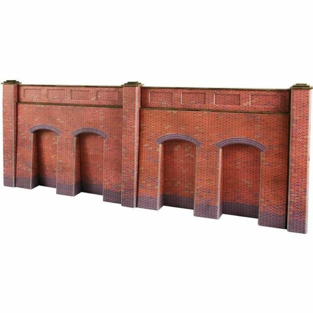 METCALFE PO244 1:76 OO SCALE Retaining Wall in Red Brick
