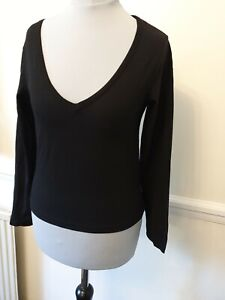 Boohoo-Ladies-Size-8-V-Neck-Top-Black