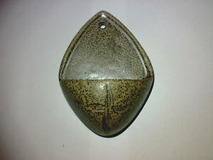Weihwasserbecken-Holy-Water-Font-Keramik-Pottery-Braun-Kreuz-Katholisch