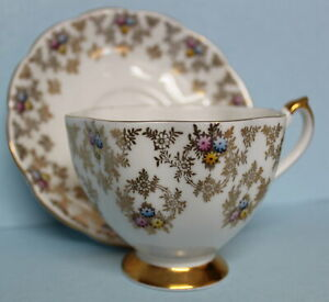 Queen-Anne-Vintage-Bone-China-Tea-Cup-and-Saucer-Gold-Flowers-England-5483