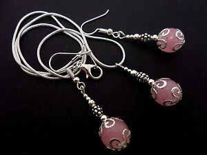 A-PRETTY-PINK-JADE-NECKLACE-AND-EARRING-SET-NEW