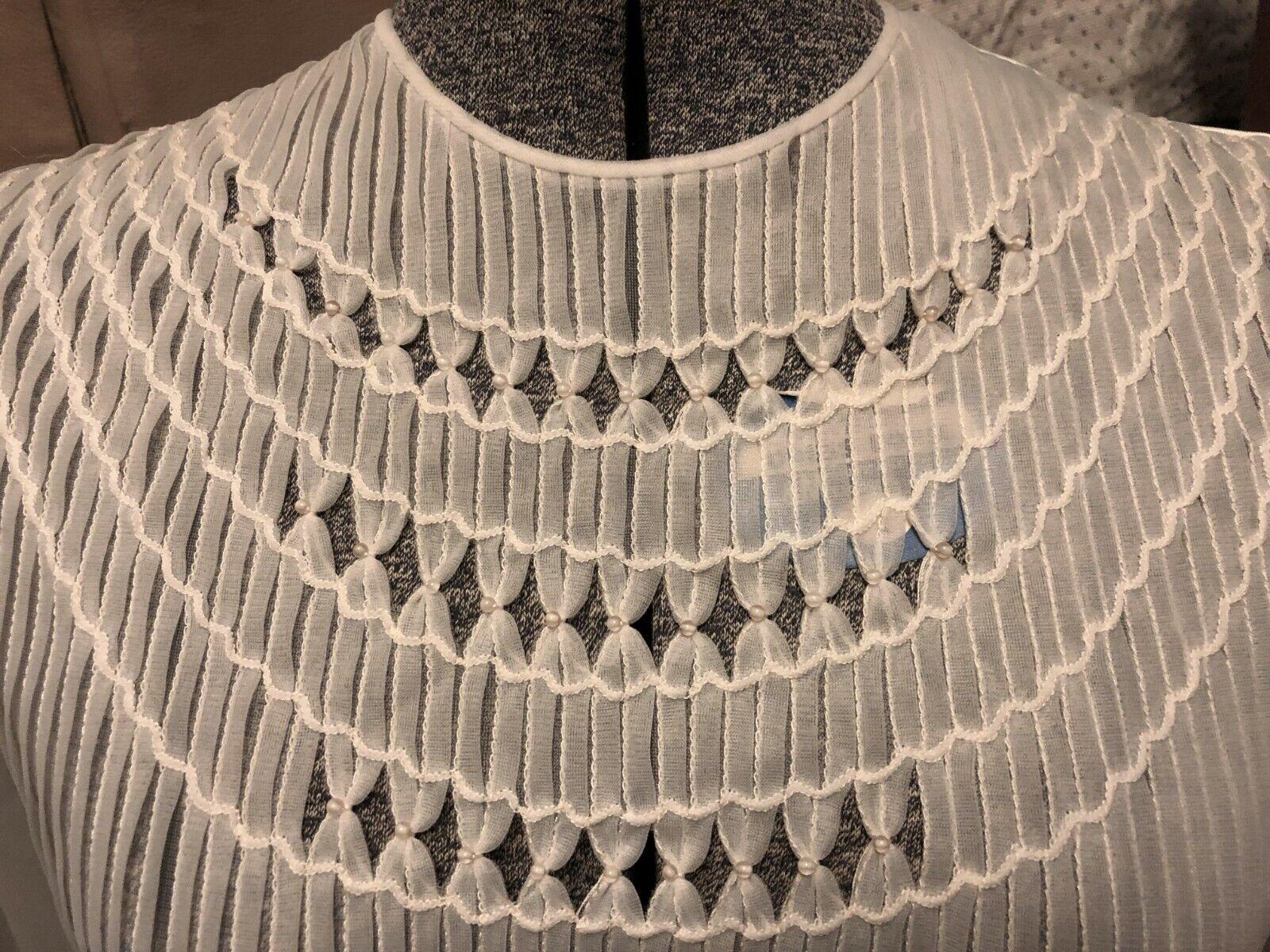 VINTAGE: 60s Sheer Nylon Pleated Pintuck Pearl Pu… - image 3