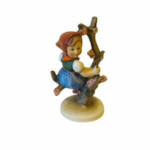 "Goebel HUMMEL FIGURINE  ""Apple Tree Girl"" - #141 FULL BEE TMK-2 - GERMANY"