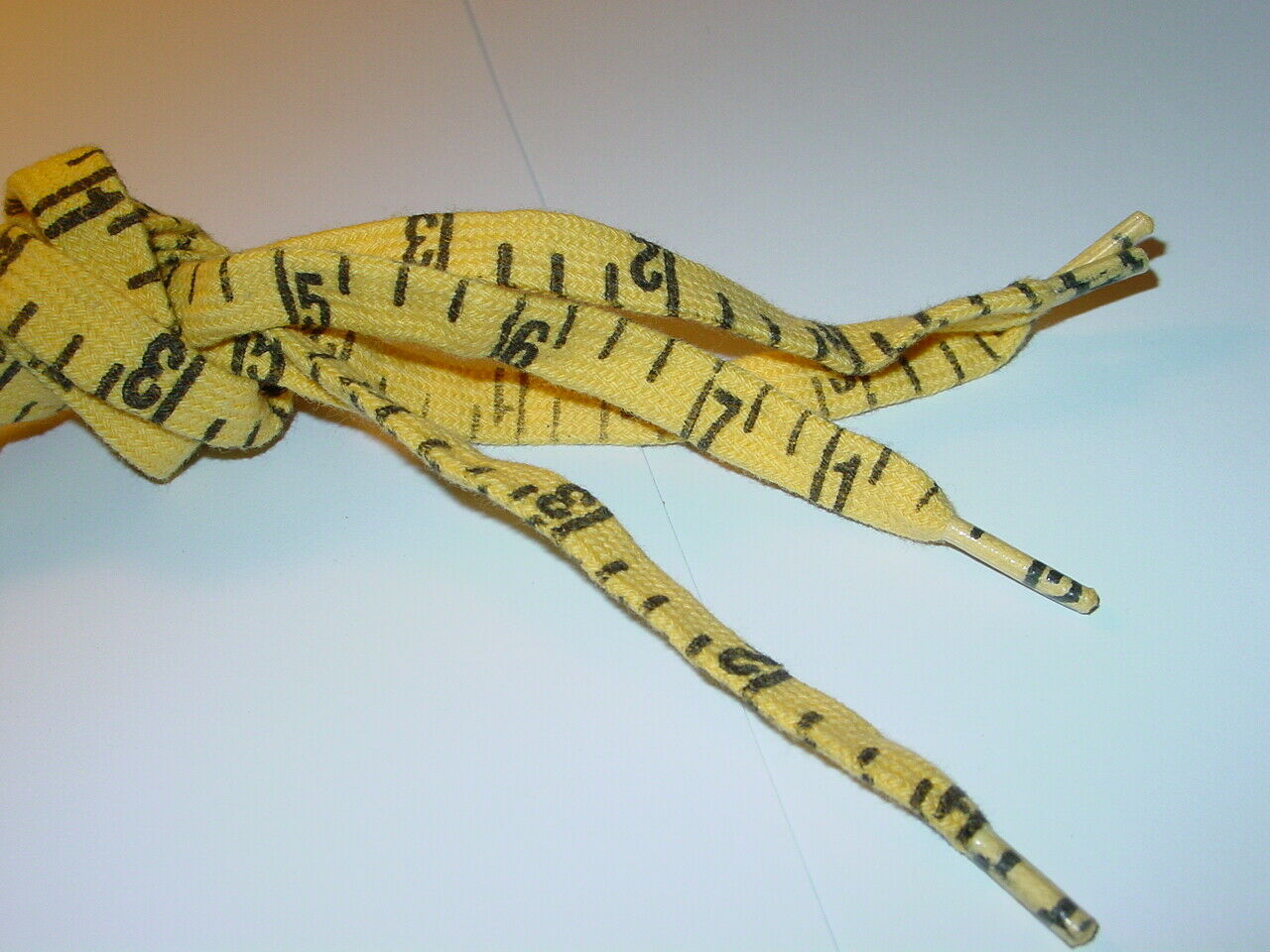 MEASURING TAPE 1980's VINTAGE SHOE LACES 26 INCH NEW OLD STOCK 1 PAIR