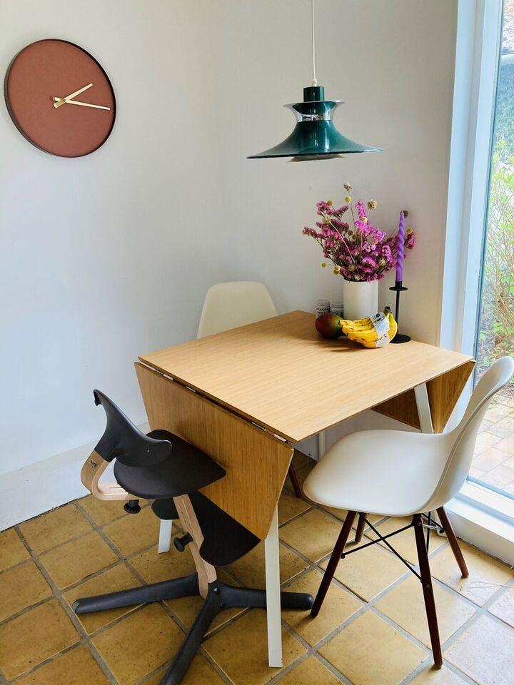 Spisebordsstol, Plast og træ , Ukendt