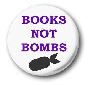 Libros-NOT-BOMBS-25mm-2-5cm-Boton-Insignia-Lindos-Manifestacion