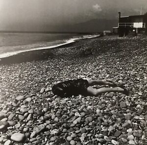 Helmut-Newton-1996-ON-THE-BEACH-Bordighera-Italy-Matted-mounted-PHOTOLITH