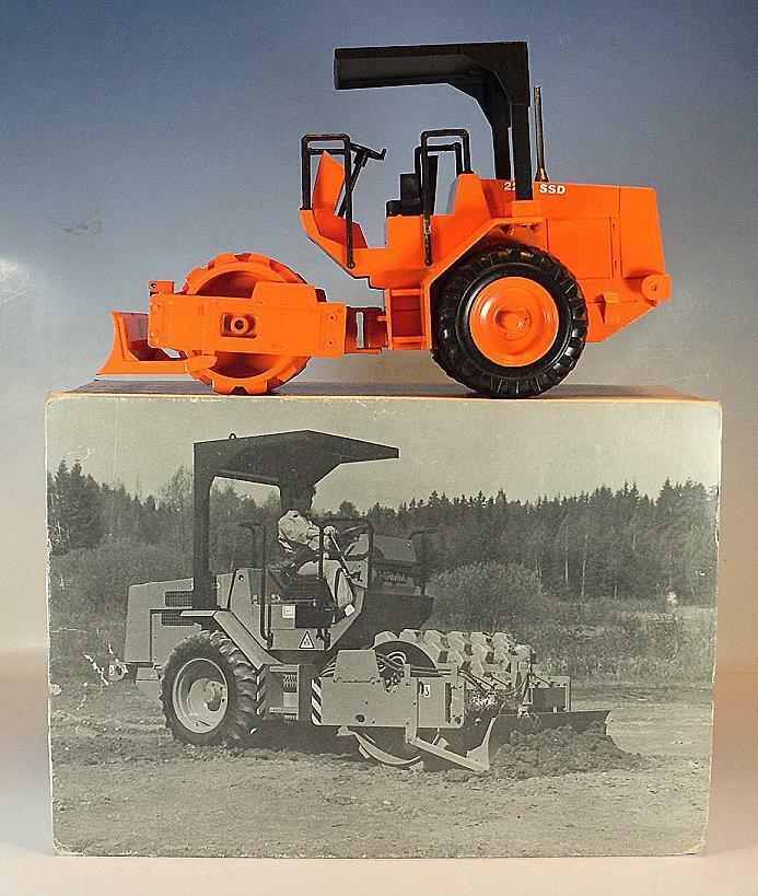 venta NZG 1 25 25 25 nº 343 hamm rodillo 2210 SSD naranja en OVP  1403  más descuento