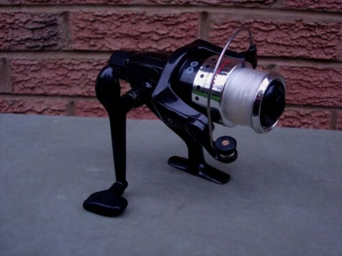 SYNTRA 300 FISHING REEL