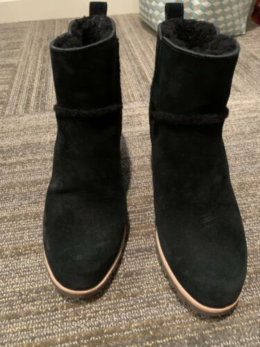 Ugg Womens Black Boots Size 9