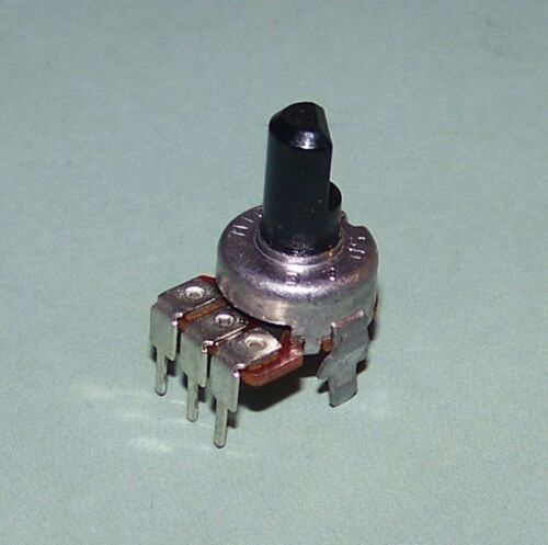 Linear Taper Pot with CENTER DETENT PC Pins B NEW 10K ohm Potentiometer