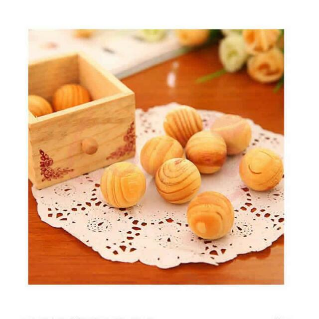1 Pack (5 included) Fragrant Moth Cedar Wood Clothes Protection Balls
