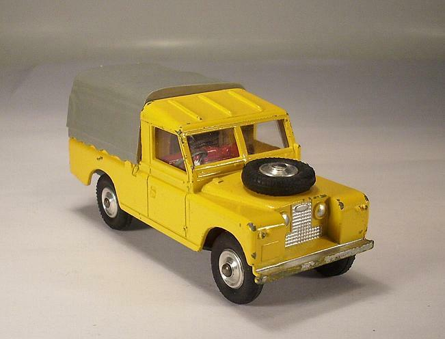 CORGI toys 438 Land rover 109 Lighting jaune  3718