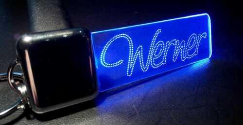 Werner oder Wunschtext LED-Schlüsselanhänger mit Bewegungssensor Lasergravur